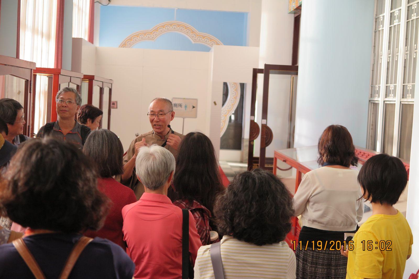 王秀杞先生與聽眾在3樓展示場